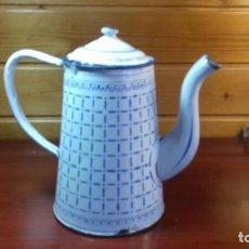 Antigüedades: CAFETERA METALICA AÑOS 50. Lote 107778847