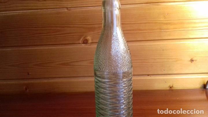 Antigüedades: Botella de vidrio antigua - Foto 2 - 107787059