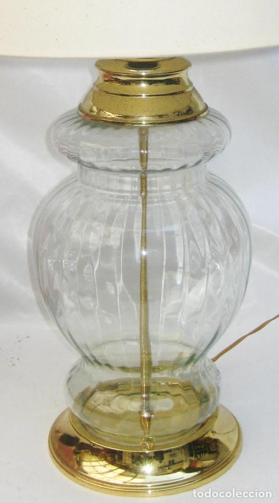 Antigüedades: ELEGANTE LAMPARA ANTIGUA VINTAGE EN CRISTAL Y LATON DORADO DISEÑO ESPAÑOL MIDCENTURY - Foto 2 - 107819051