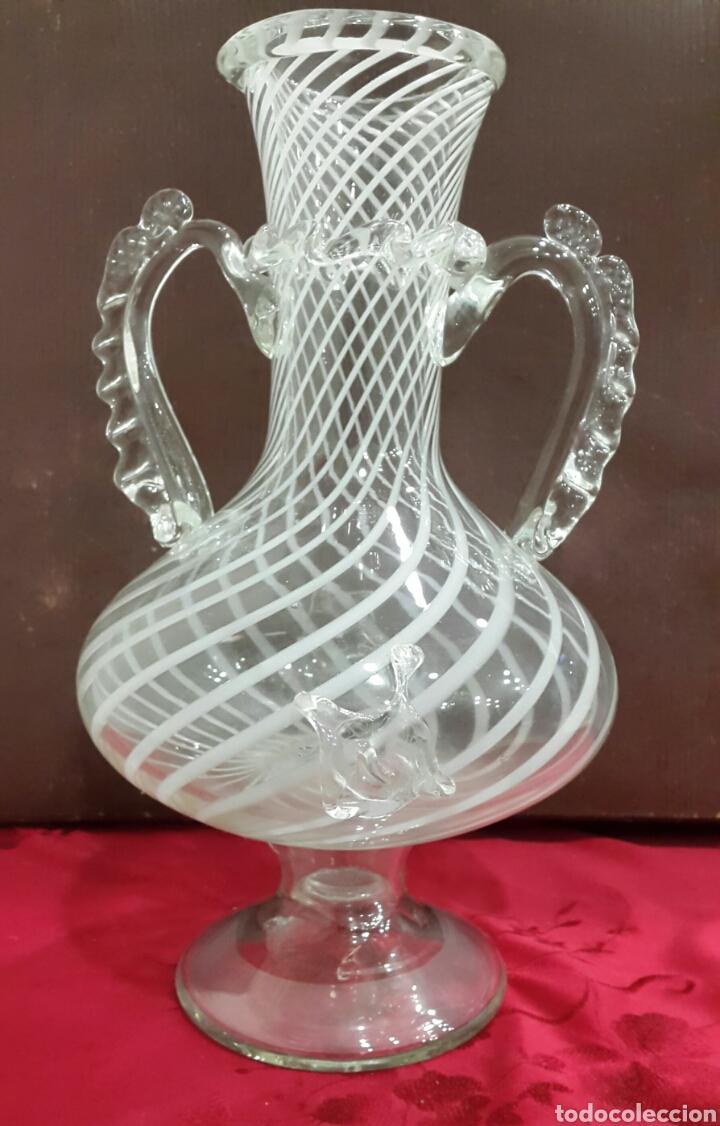 JARRÓN JARRA DE CRISTAL SOPLADO VIDRIERA CATALANA (Antigüedades - Cristal y Vidrio - Catalán)