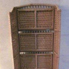 Antigüedades: ANTIGUA ESTANTERÍA PLEGABLE FIBRA SIMILAR MIMBRE CAÑA BAMBÚ MADERA RATÁN PRINCIPIOS MITAD SIGLO XX. Lote 107844631