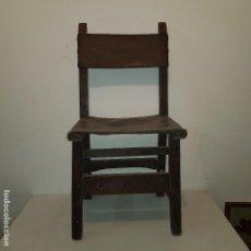 Antigüedades: SILLA MADERA CUERO ANTIGUA. Lote 107849163