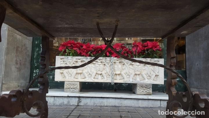Antigüedades: MESA CASTELLANA. PATAS EN FORMA DE LIRA. MADERA DE NOGAL. ESPAÑA. SIGLO XIX. - Foto 14 - 107903915