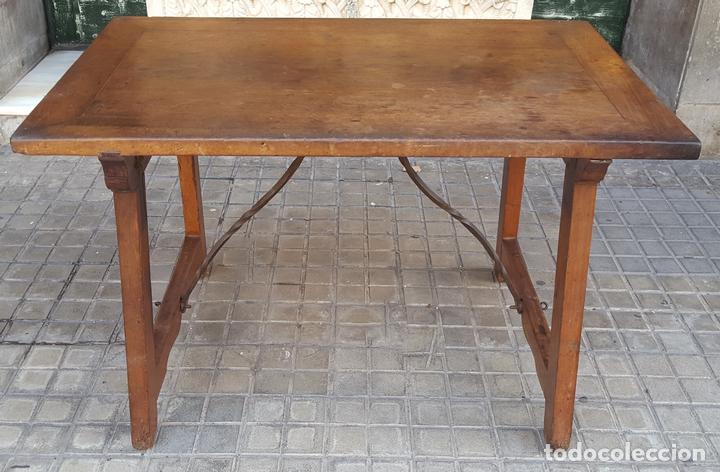 MESA CASTELLANA. MADERA DE NOGAL. ESPAÑA. SIGLO XVIII-XIX. (Antigüedades - Muebles Antiguos - Mesas Antiguas)