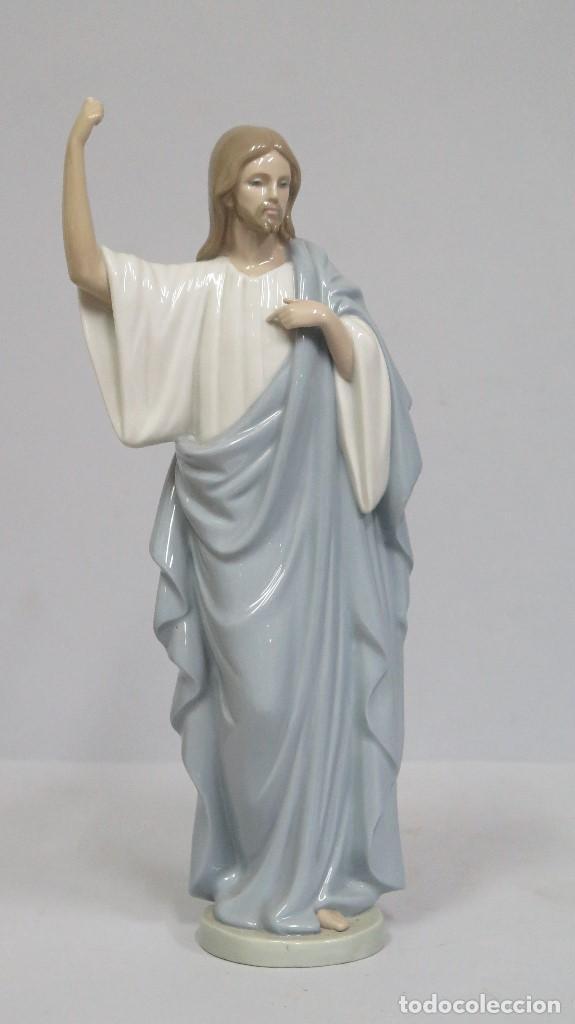 BONITA FIGURA DE JESUCRISTO DE PORCELANA. NAO LLADRO (Antigüedades - Religiosas - Varios)