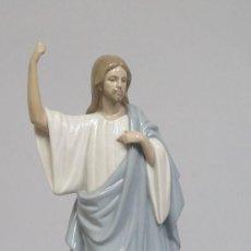 Antigüedades: BONITA FIGURA DE JESUCRISTO DE PORCELANA. NAO LLADRO. Lote 191871635