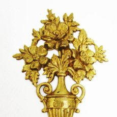 Antigüedades: EMBELLECEDOR EN BRONCE ANTIGUO ORIGINAL PARA MUEBLES MARCOS ESPEJOS DECORACION . Lote 107948155