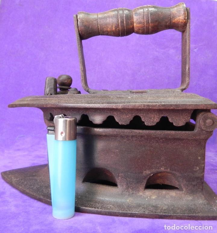 Antigüedades: ANTIGUA Y ENORME PLANCHA DE CARBON 21,5cm X 15,5cm DE BASE. PARA GRANDES PIEZAS DE TELAS. MANGO REST - Foto 19 - 107976759