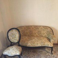 Antigüedades: SEIS SILLAS Y SOFÁ ISABELINOS. Lote 108014311