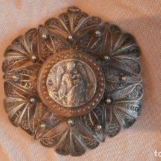 Antigüedades: MAGNIFICA MEDALLA SOBRE FILIGRANA DE PLATA DE FINALES XIX,PRINCIPIOS XX. Lote 108030543