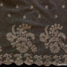 Antigüedades: ANTIGUA MANTILLA DE ENCAJE - NOVIA S. XIX. Lote 108046991