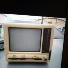 Antigüedades - Televisor Antiguo con radio . - 108119363