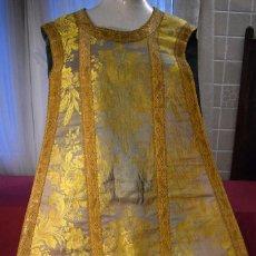 Antigüedades: ANTIGUA CASULLA DE ESPOLÍN HIJOS DE M GARÍN CON GALÓN ANCHO. Lote 172953542