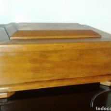 Antigüedades - Antigua caja de escritura. De escribania. Madera de roble maciza. Años 1910. - 108236728