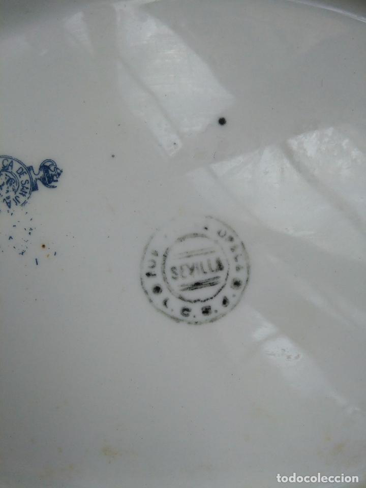 Antigüedades: CERAMICA FLORAL PORCELANA SEVILLA tipo PICKMAN SAN JUAN CON SELLO SOPERA SALSERA ENSALADERA... - Foto 2 - 108237151