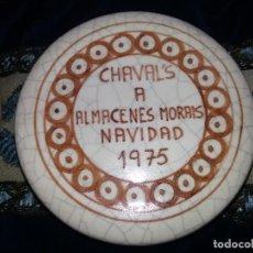 Antigüedades: TARRO CERÁMICA BENLLOCH PARA ALMACENES MORAIS. Lote 128436802