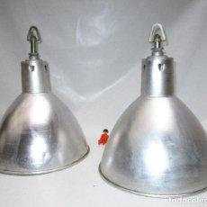 Antigüedades: LAMPARAS ANTIGUAS INDUSTRIALES ALUMINIO Y CASQUILLO CERAMICO IDEAL DECORACION BAR TIENDA BARRA. Lote 108340135