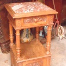 Antigüedades: MUEBLE TIPO MESITA ALTA DE NOGAL Y MARMOL . Lote 108362599