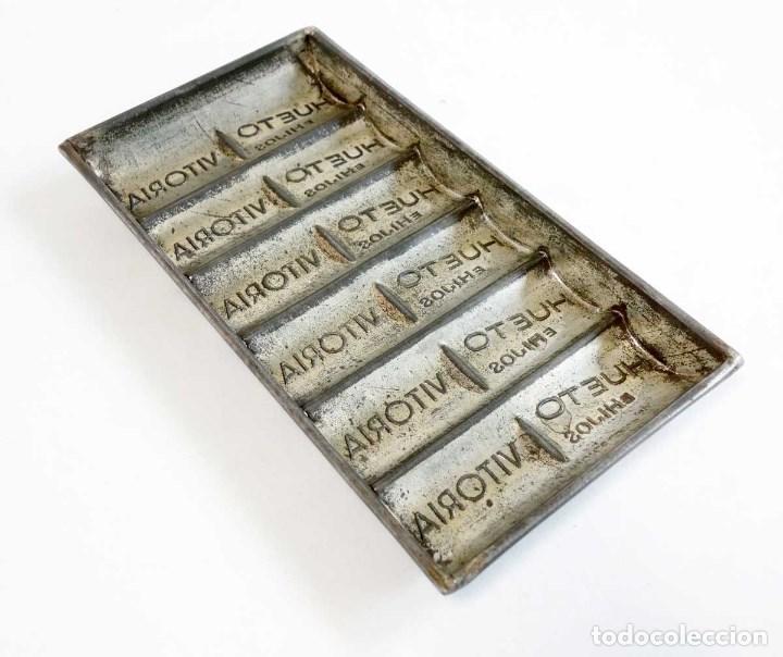 Antigüedades: LOTE 5 ANTIGUOS MOLDES CHOCOLATE. METAL - Foto 9 - 108399755
