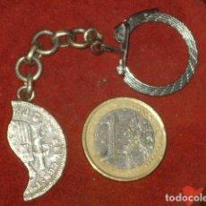 Antigüedades: LLAVERO DE PLATA MEDIA MONEDA DE 2 PESETAS ALFONSO.. Lote 108406031