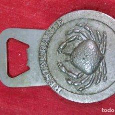 Antigüedades: ABRIDOR CON IMAGEN DE CANGREJO. Lote 108428691