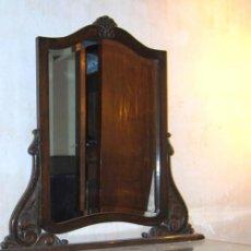 Antigüedades: ANTIGUO MUEBLE COMODA, COQUETA O TOCADOR CON ESPEJO, AÑOS 40 TIPO ART DECO. Lote 108437687