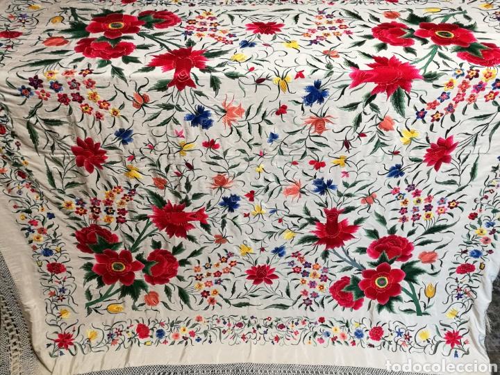 Antigüedades: Maravilloso mantón antiguo de tulipanes - Foto 3 - 108458422