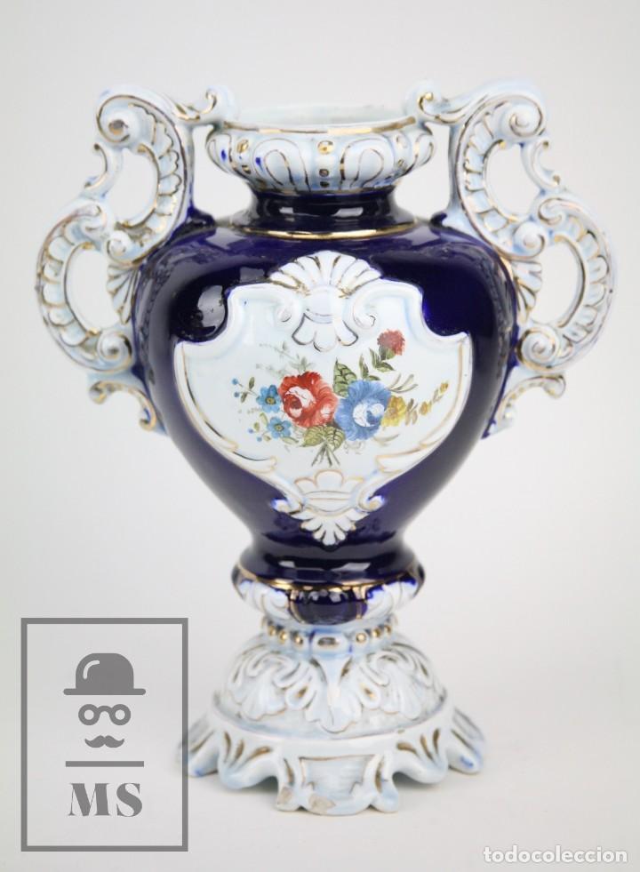 JARRÓN PORCELANA VIDRIADA BOTET MAS - DECORACIÓN PINTADA A MANO - AZUL COBALTO - PRIMERA MITAD S. XX (Antigüedades - Porcelanas y Cerámicas - Manises)