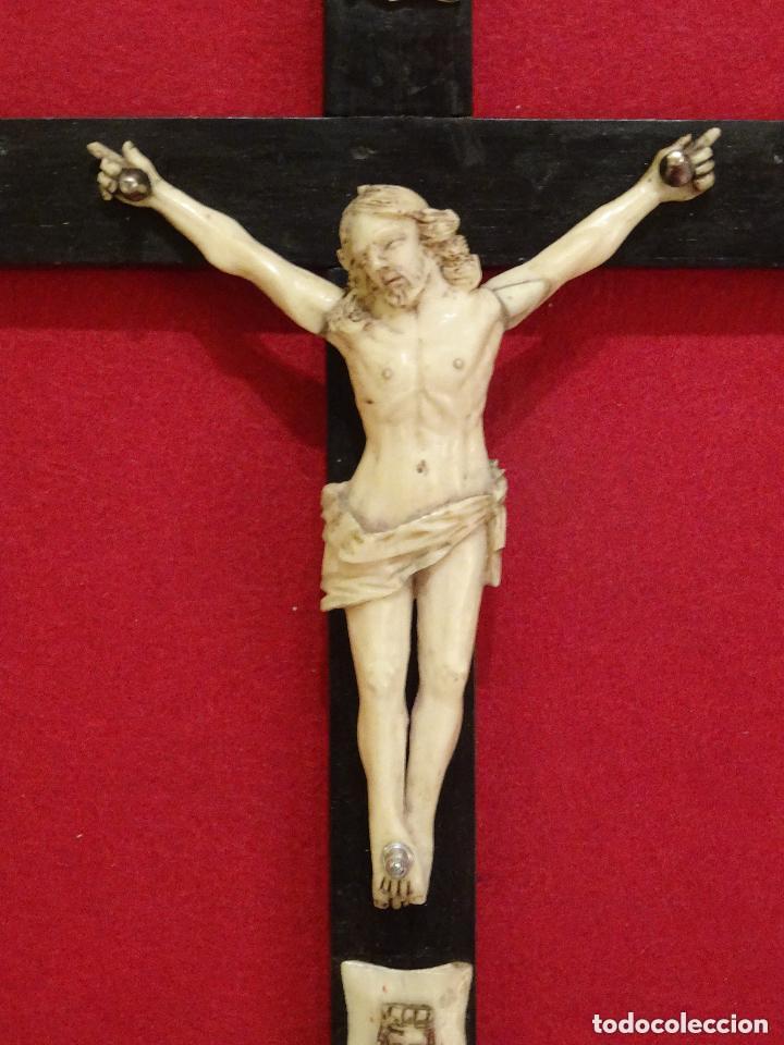 Antigüedades: Crucifijo siglo XVIII, hueso. cruz, cristo jesucristo capìlla cristal - Foto 4 - 108771307