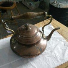 Antigüedades: TETERA ANTIGUA DE COBRE. Lote 108783928