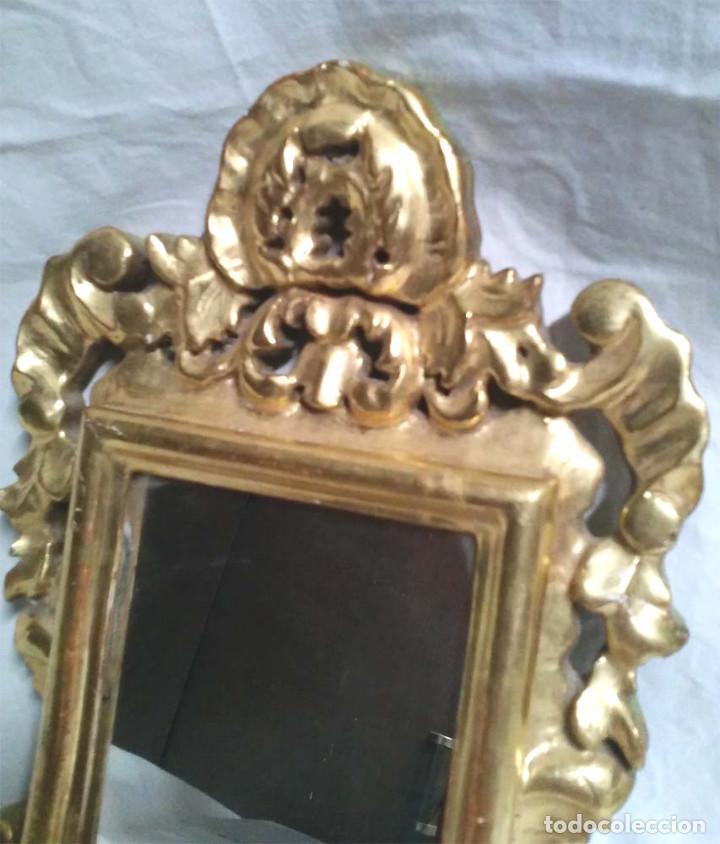 Antigüedades: Espejo Cornucopia S XIX, talla de madera dorada pan de oro, buen estado. Med. 16 x 24 cm - Foto 2 - 108848987