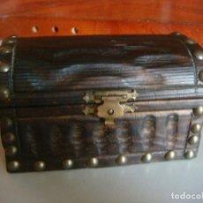 Antigüedades: CAJITA COFRE EN MADERA. Lote 108854239