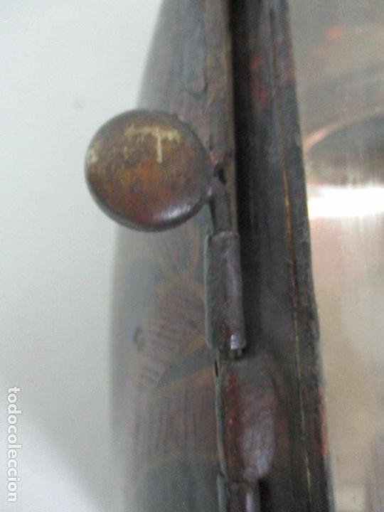 Antigüedades: Antiguo Faro de Carruaje - Farol - Coche de Caballos - Marca Ducellier & Cia, París - S. XVIII - XIX - Foto 41 - 108903567