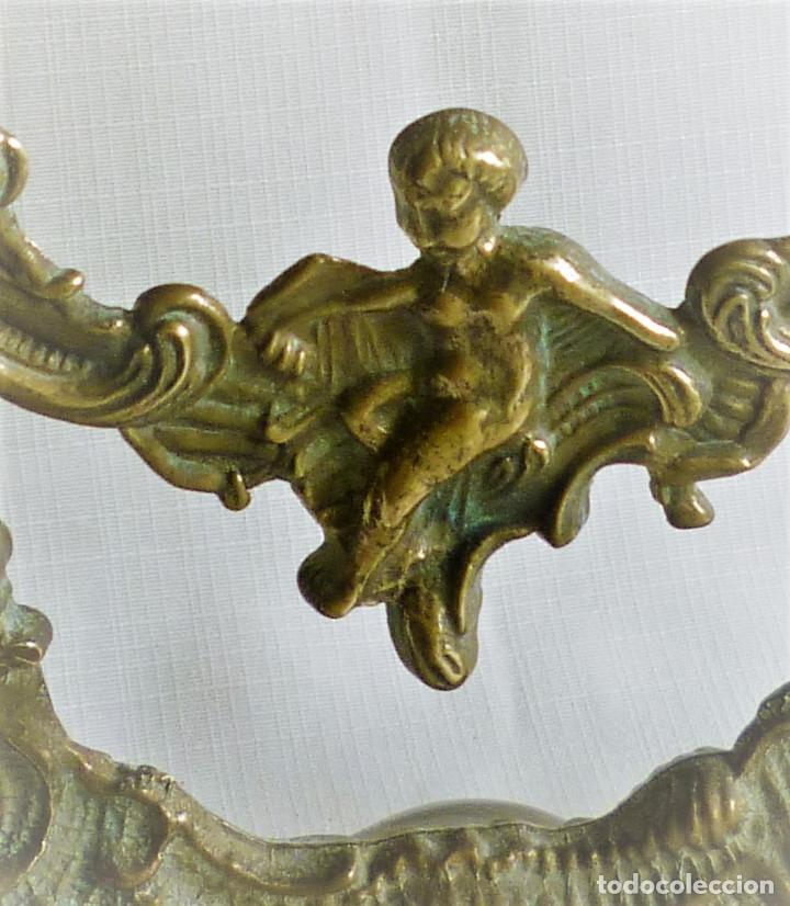 Antigüedades: MARCO DE BRONCE DE MESA GIRATORIO MUY ORNAMENTADO - Foto 5 - 108904135