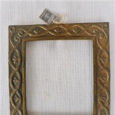 Antigüedades: MARCO DE BRONCE LABRADO. Lote 108904595