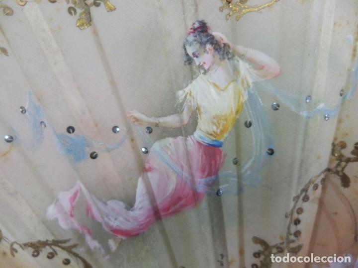 Antigüedades: Precioso abanico 1880 en hueso, pintado a mano, en caja de origen, Bruno Barcelona. - Foto 12 - 108989419