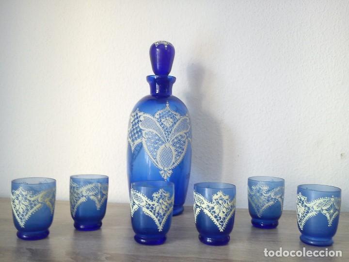 Antigüedades: EXPLENDIDO Y ANTIGUIO JUEGO MORANO PINTADO A MANO PINTURA EN RELIEVO TIPO RENDAS - Foto 2 - 109009047