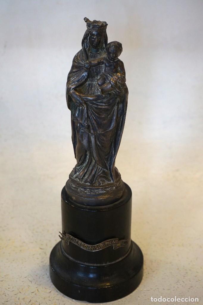 ESCULTURA FIGURA METAL VIRGEN DEL PILAR ANTIGUA (Antigüedades - Religiosas - Varios)