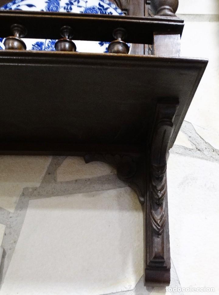 Antigüedades: MUEBLE ANTIGUO DE NOGAL PLATERO DE PARED - Foto 2 - 109079831