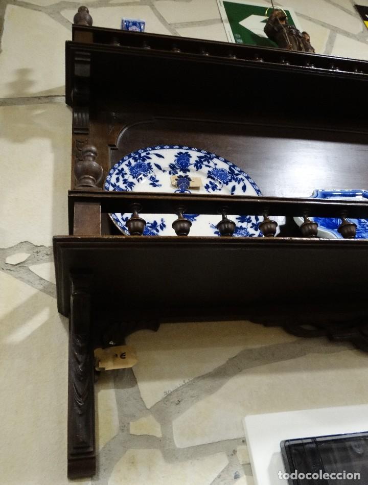 Antigüedades: MUEBLE ANTIGUO DE NOGAL PLATERO DE PARED - Foto 5 - 109079831