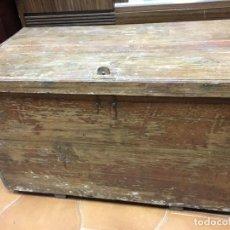 Antigüedades: ANTIGUO BAUL ARCON DE MADERA - MEDIDA 86X46X50 CM DE ALTO. Lote 109086679