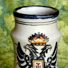 Antigüedades: TARRO DE CERÁMICA DE TALAVERA - ÁGUILA BICÉFALA - ALFARERÍA DE TOLEDO - DECORADO A MANO - MATE - . Lote 109204283