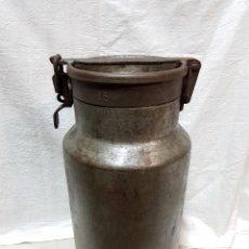 Antigüedades: ANTIGUA LECHERA DE HIERRO. BUEN ESTADO.. Lote 109231811