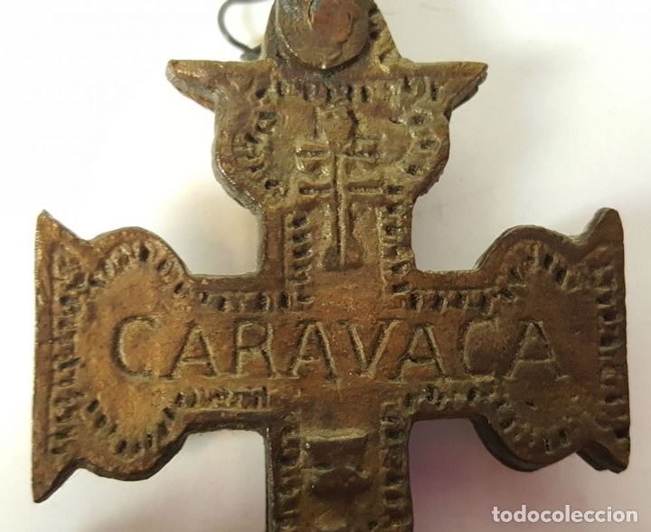 Antigüedades: PAREJA DE CRUCES DE CARAVACA. BRONCE. SIGLO XIX-XX. - Foto 3 - 109254799
