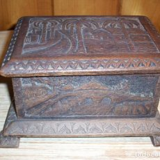 Antigüedades: ANTIGUA CAJA DE MADERA CON UN LABORIOSO LABRADO A MANO .. Lote 109261315
