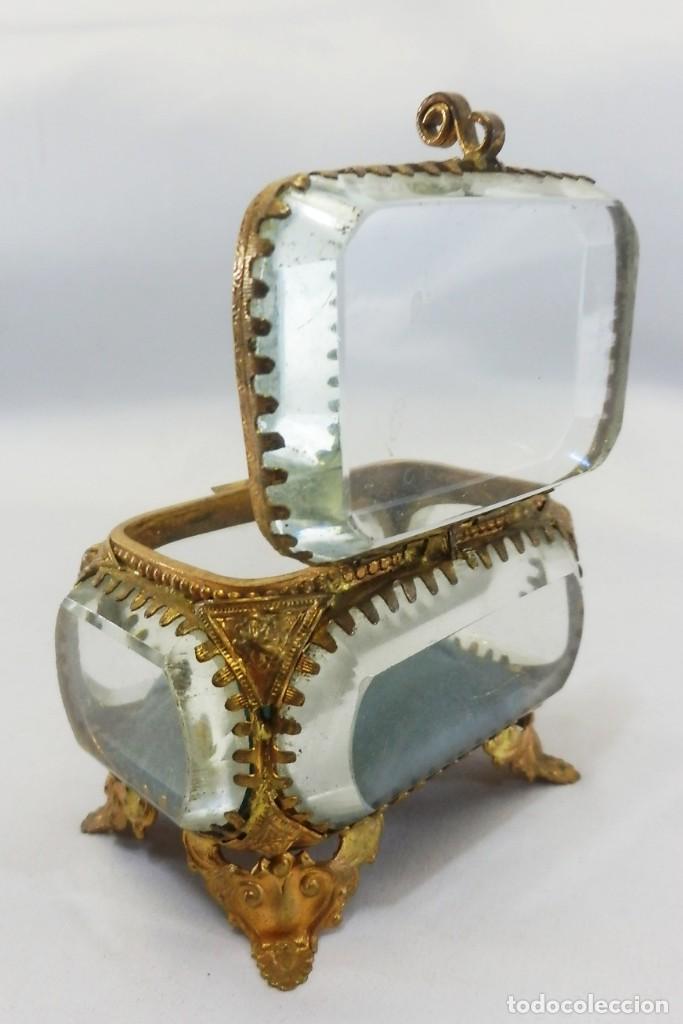 Antigüedades: Joyero, Coffret à Bijoux cristal de roca biselado, y ormulú oro molido. S XIX , Napoleón III - Foto 7 - 109276971