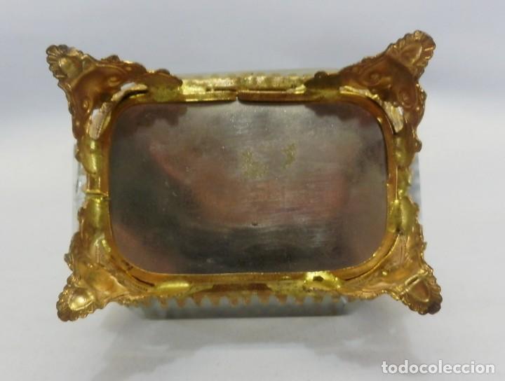 Antigüedades: Joyero, Coffret à Bijoux cristal de roca biselado, y ormulú oro molido. S XIX , Napoleón III - Foto 8 - 109276971