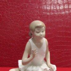 Antigüedades: FIGURA NIÑA BAILARINA DE PORCELANA NAO. Lote 109280511