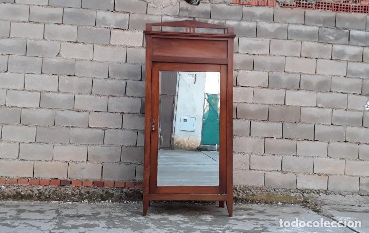 Antigüedades: Armario antiguo estilo modernista. Armario ropero con espejo art decó nouveau retro vintage - Foto 2 - 109319111