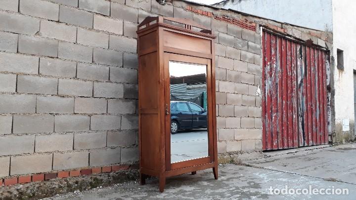 Antigüedades: Armario antiguo estilo modernista. Armario ropero con espejo art decó nouveau retro vintage - Foto 4 - 109319111